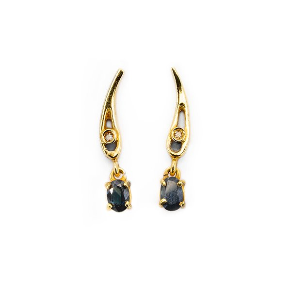 18k Gold earrings with diamonds and sapphire
