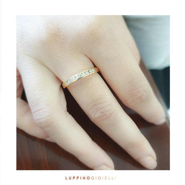 Eternity ring in 750 gold with 0.25ct diamonds