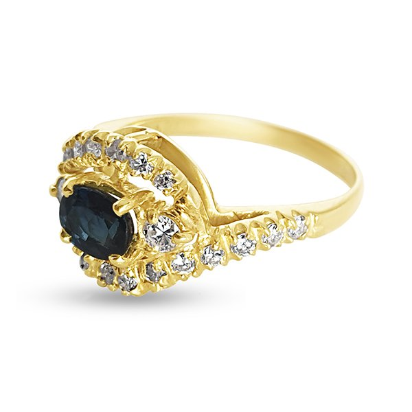 18k Gold ring with sapphire and diamonds